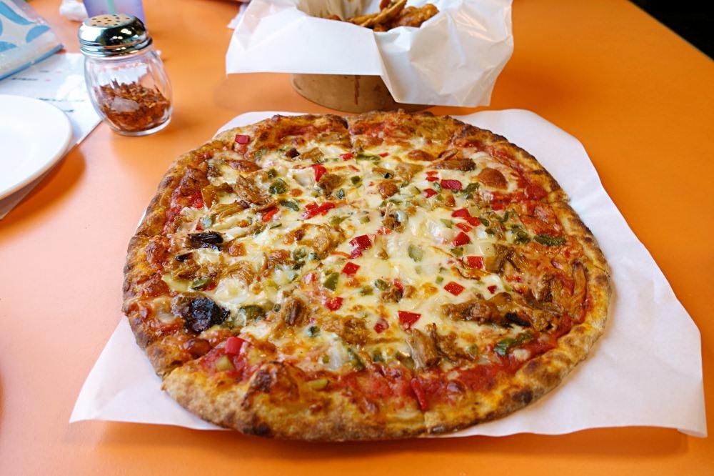 【新北美食】THE SHACK PIZZA 野菇屋 現做窯烤PIZZA 自選餡料薄皮好吃推薦!