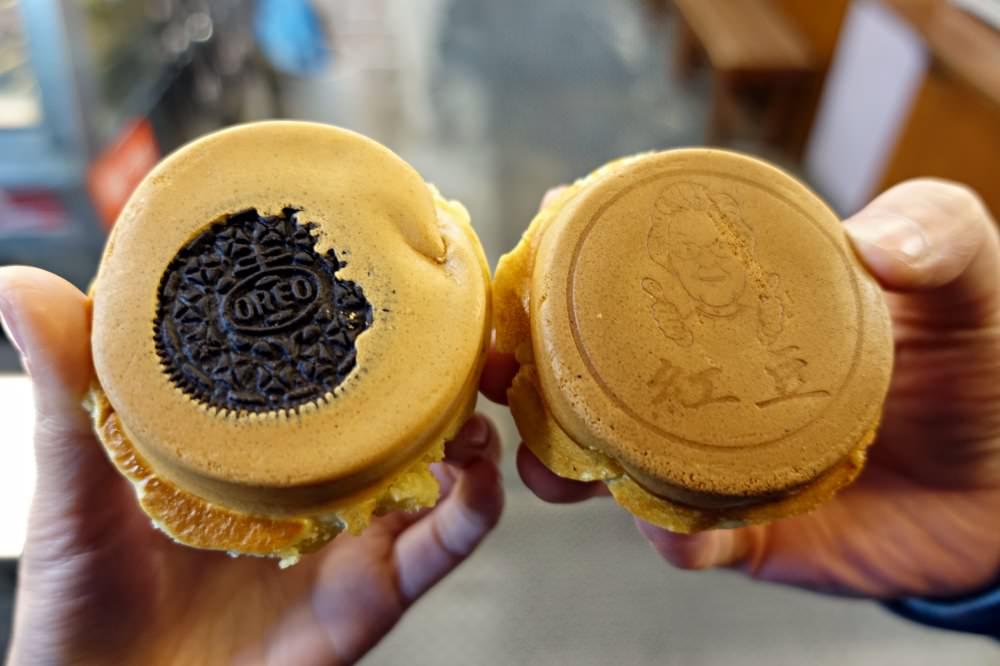 【台北美食】玉里本家紅豆餅 熱呼呼冬天小點心 還有黑糖珍珠跟OREO口味!