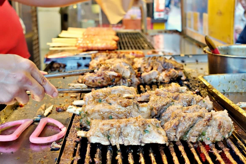 【新北】雅各原住民山豬肉香腸 假日限定腱子肉 烏來老街必吃